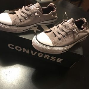 🔥NEW Womens Converse Size 8